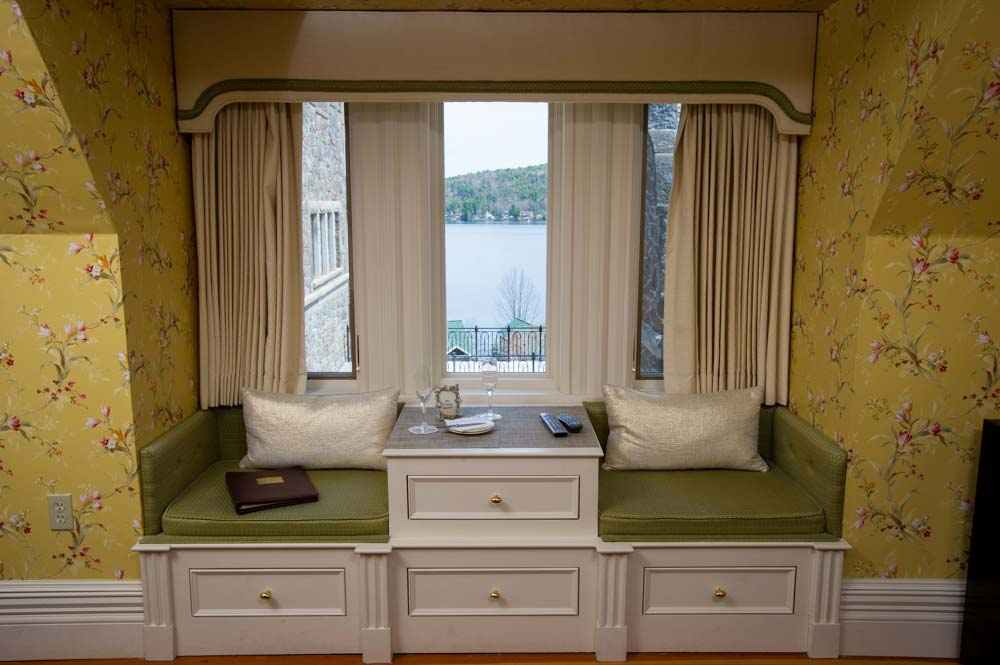 Window setting area